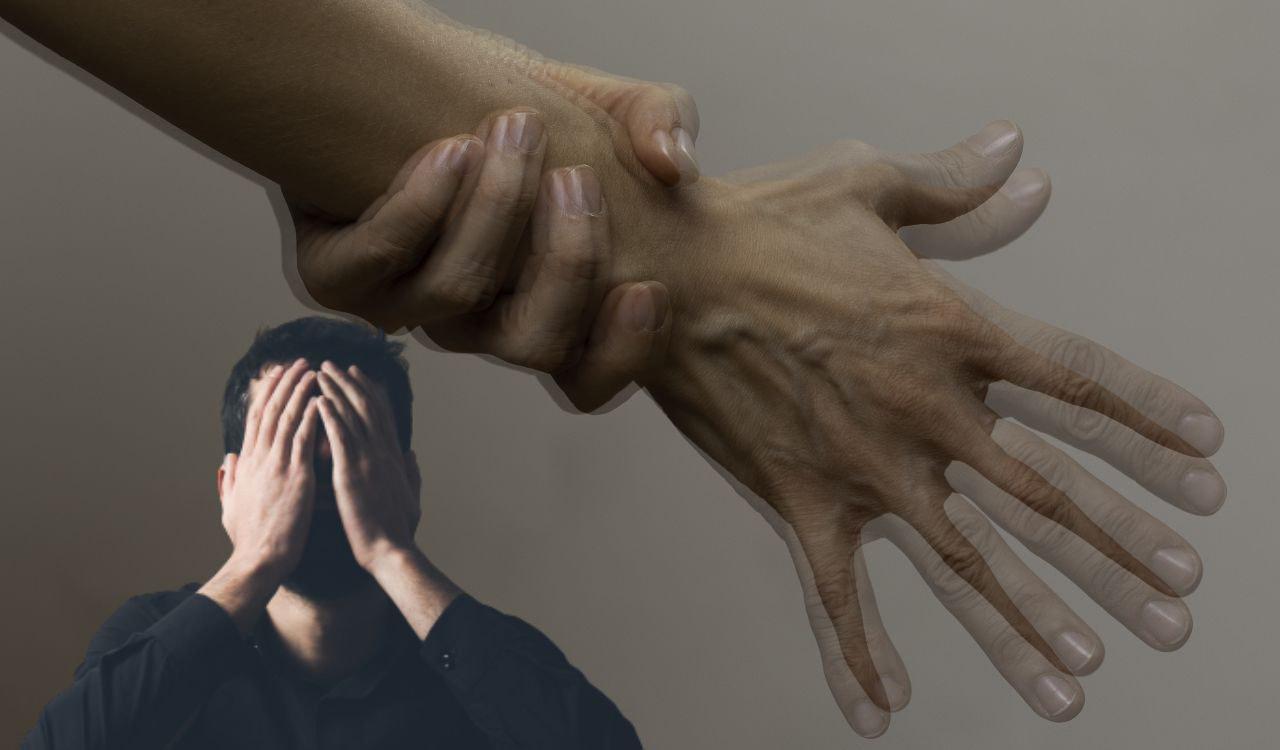 Dramma per l'amato conduttore: ha il Parkinson