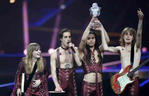 Maneskin vittoria eurovision droga bacio censura