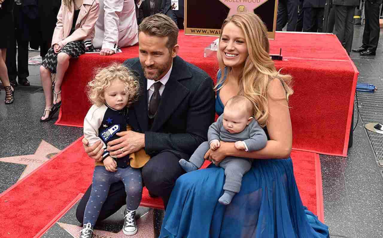 Ryan Reynolds e Blake Lively con i figli (Instagram)