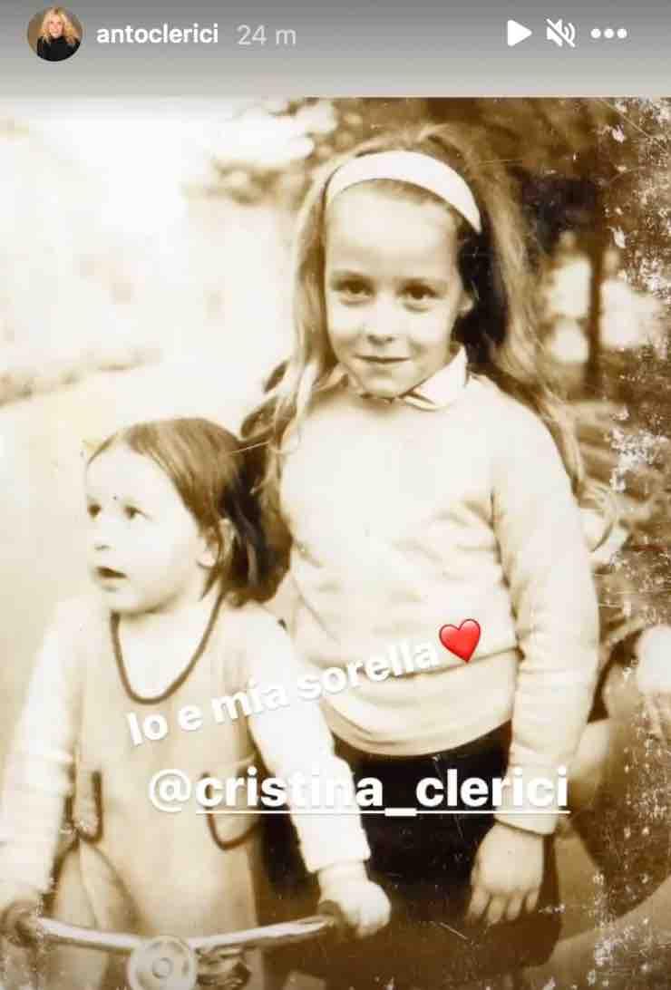 Antonella Clerici, l'avete mai vista da bambina? Eccola con sua sorella