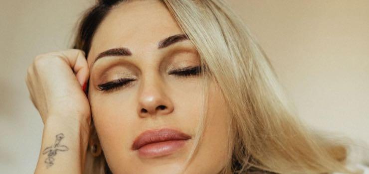 Anna Tatangelo meglio di JLo: l'ultimo video scatena il web