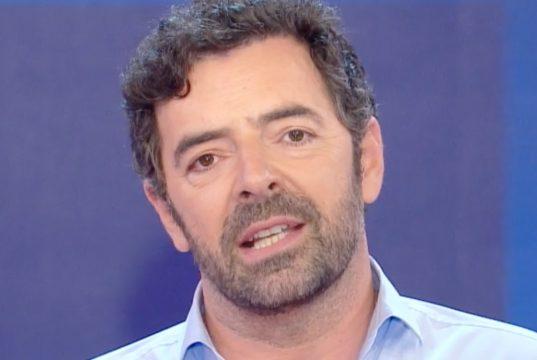 Alberto Matano in vacanza: al suo posto un clamoroso ritorno?