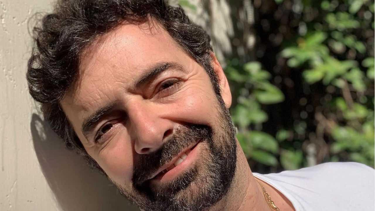 """Alberto Matano, la promessa in diretta: """"La rivedrete ancora qui"""""""