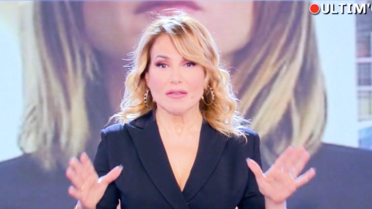 """Pomeriggio 5, la furia di Barbara D'Urso: """"Non è possibile"""""""