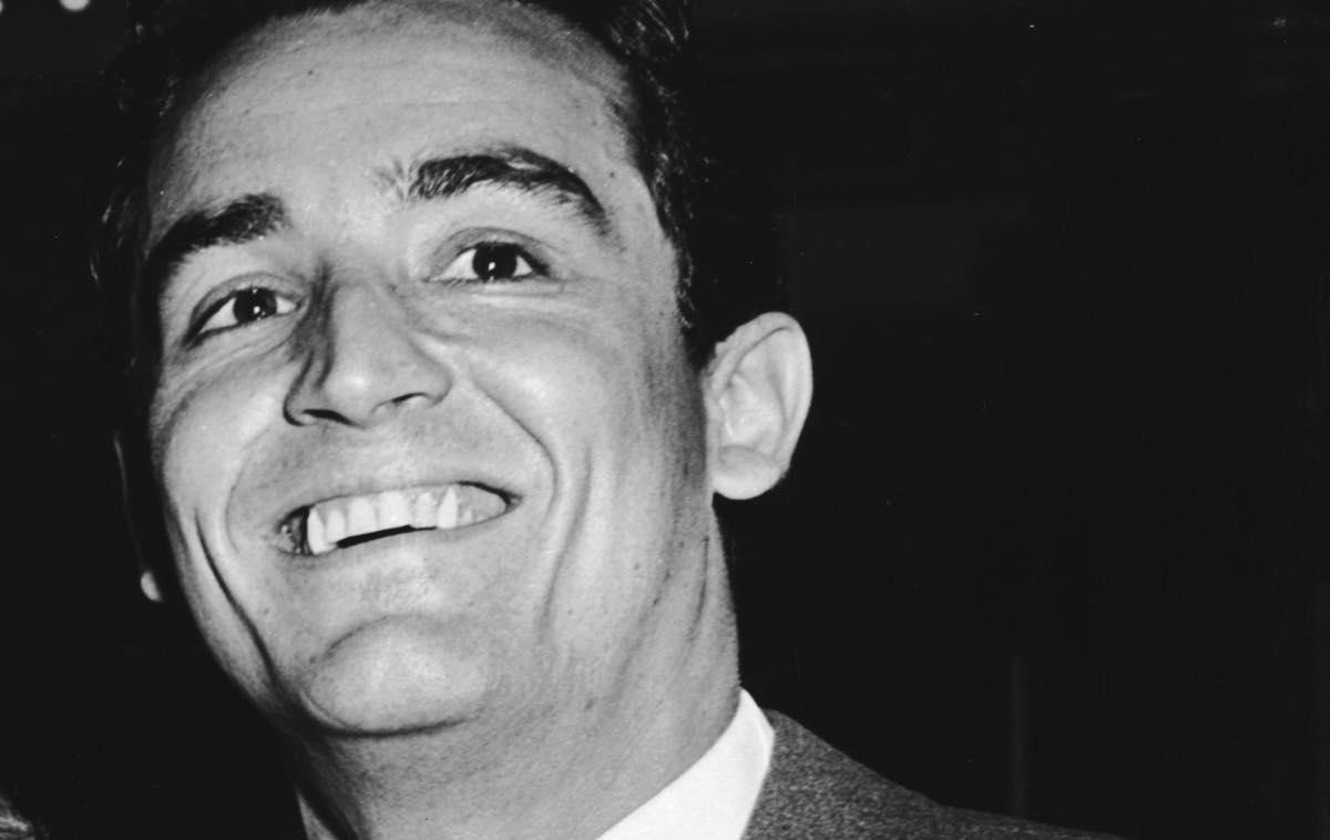 Vittorio Gassman tomba epitaffio cosa c'è scritto